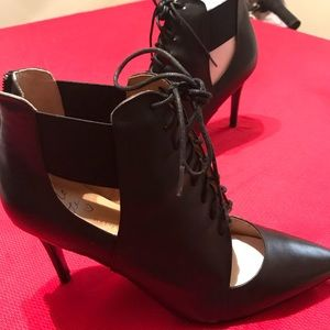 Banana Republic Lace Up Open Front Heels